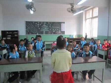 """高新区石炼小学""""你我齐努力 携手护蓝天""""主题宣传教育"""