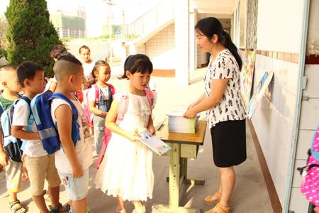 奔跑吧 宝贝----石家庄市南高营小学新生入学仪式图片